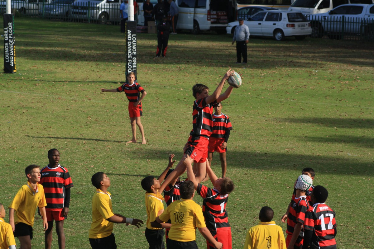 A young Wessel catching the ball in the lineout