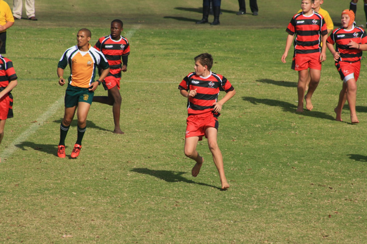 A young Wessel running on the field