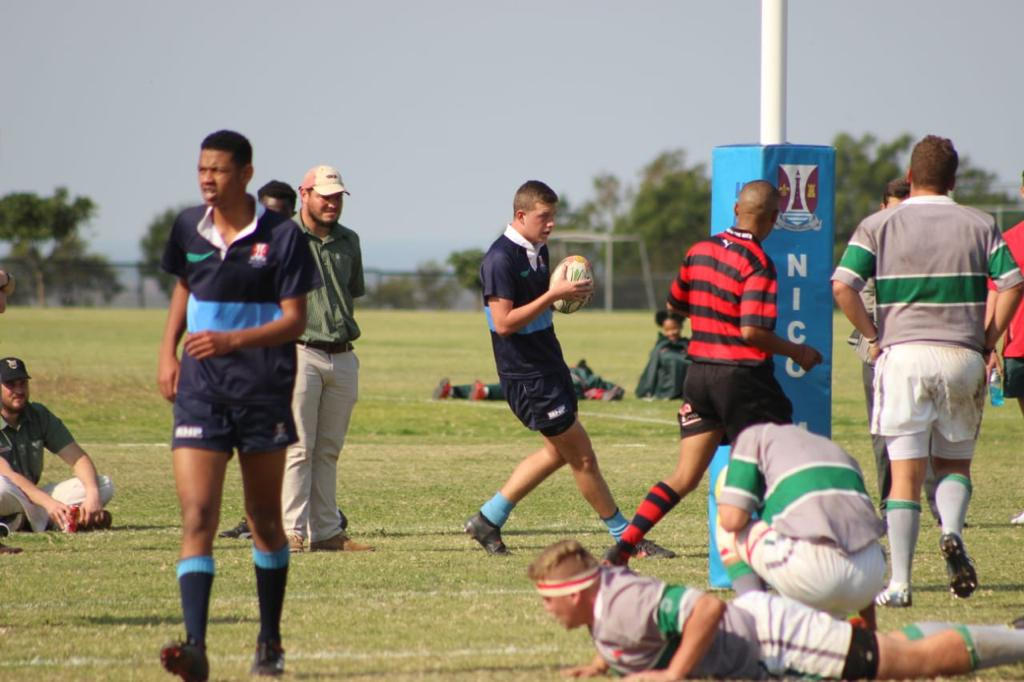 Wessel scoring a try